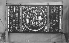 Eglise Saint-Gengoult et son cloître - Vitrail de l'abside, lancette gauche, panneaux supérieurs 8