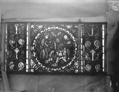 Eglise Saint-Gengoult et son cloître - Vitrail de l'abside, lancette gauche, panneaux supérieurs 9