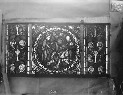 Eglise Saint-Gengoult et son cloître - Vitrail de l'abside, lancette gauche, panneaux supérieurs 10