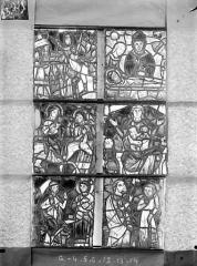 Ancienne cathédrale Saint-Etienne et son cloître - Vitrail de la chapelle absidiale, fenêtre G, les six panneaux supérieurs