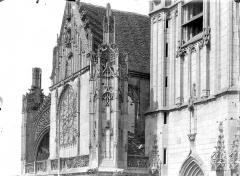 Eglise Saint-Martin (ancienne collégiale) - Façade ouest en perspective : Partie supérieure