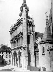 Eglise Notre-Dame - Façade ouest en perspective