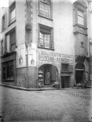 Maison du 16e siècle - Façades sur rues