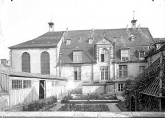 Ancien Hôpital Saint-Joseph - Chapelle Saint-Nicolas : Vue d'ensemble sur le jardin