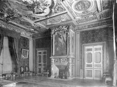Ancien palais épiscopal, actuellement palais de justice - Vue intérieure de la Chambre Dorée (salon de réception des évêques de Lisieux)