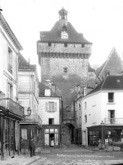 Hôtel de ville et Porte Picoys - Façade extra-muros, côté ouest
