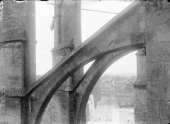 Cathédrale Saint-Julien - Arcs-boutants, détail