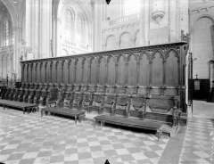 Cathédrale Saint-Pierre - Stalles du choeur, ensemble