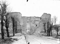 Porte de Laon et remparts - Extérieur