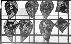 Eglise Saint-Samson - Vitraux, panneaux 15, 16, 17, 19 de la baie A, panneau 15 de la baie B et panneaux 16, 18, 19 de la baie C
