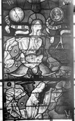 Eglise Saint-Samson - Vitraux, panneaux 8, 19, 32 de la baie F