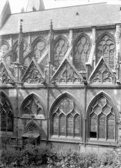 Eglise Saint-Séverin - Trois travées, au sud