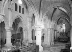 Eglise Saint-Etienne et ses abords - Nef, vue diagonale