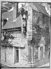 Ancienne cathédrale, actuellement église Notre-Dame, et cloître - Cloître, angle sud-est