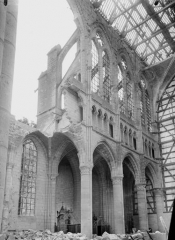 Cathédrale Saint-Gervais et Saint-Protais - Nef, vue diagonale