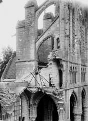 Cathédrale Saint-Gervais et Saint-Protais - Côté sud, grande brèche