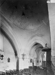 Eglise Notre-Dame - Nef, vue diagonale, coupole