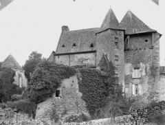 Ancienne abbaye bénédictine - Logis et chapelle, au nord-est