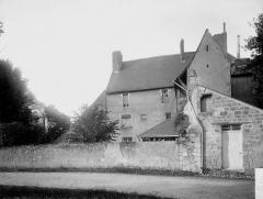 Ancienne abbaye bénédictine - Logis et chapelle, au sud