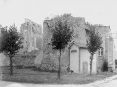 Ancienne abbaye bénédictine - Tour Saint-Jean, au sud