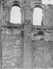 Ancienne abbaye bénédictine - Tour Saint-Paul, détail d'appareil, à l'ouest