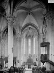 Eglise Saint-Mandé-Saint-Jean - Choeur et chaire