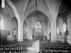 Eglise paroissiale Saint-Maurice - Nef, vue de l'entrée