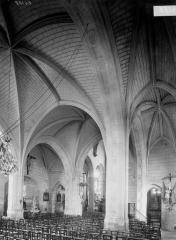 Eglise paroissiale Saint-Maurice - Nef, vue diagonale