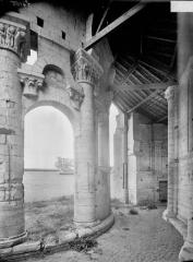 Ancien prieuré Saint-Léonard - Déambulatoire, à l'est