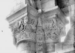 Ancien prieuré Saint-Léonard - Chapiteau