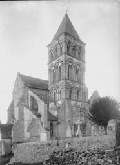 Eglise - Clocher, au sud-ouest