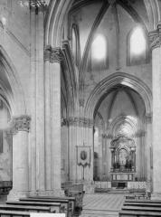 Eglise - Travée de la nef et du choeur