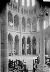 Cathédrale Saint-Gervais et Saint-Protais - Bras sud du transept, vue diagonale