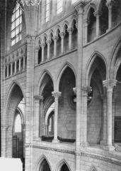 Cathédrale Saint-Gervais et Saint-Protais - Bras sud du transept et triforium