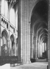 Cathédrale Saint-Gervais et Saint-Protais - Bas-côté sud et choeur