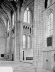 Ancienne abbaye Saint-Léger - Eglise, transept et choeur