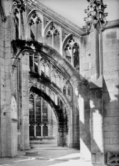 Ancienne abbaye - Eglise, arcs boutants de l'abside