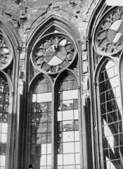Ancienne collégiale Saint-Quentin - Fenêtre axiale du choeur