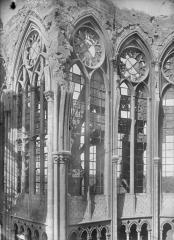 Ancienne collégiale Saint-Quentin - Fenêtre du choeur, au nord