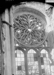 Ancienne collégiale Saint-Quentin - Rosace du transept, au nord
