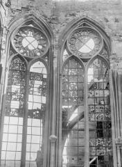 Ancienne collégiale Saint-Quentin - Fenêtre du choeur, à l'est