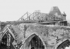 Ancienne collégiale Saint-Quentin - Charpente de la nef, prise de la deuxième tourelle
