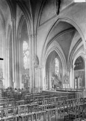 Eglise Saint-Médard - Vue diagonale