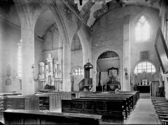 Eglise - Nef, vue diagonale