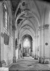 Eglise Sainte-Catherine, dite aussi Eglise Saint-Pierre du Prieuré - Bas-côté nord