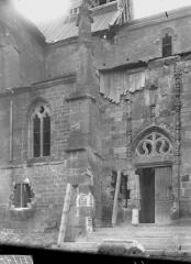 Eglise d'Olizy - Portail et fenêtre, au nord