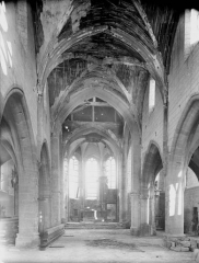 Eglise d'Olizy - Nef, vue de l'entrée