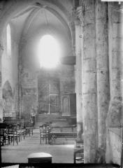Eglise Notre-Dame et Prieuré - Nef, vue du choeur