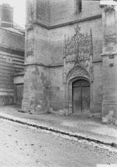 Eglise - Portail  latéral