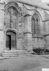 Eglise - Portail latéral et fenêtre